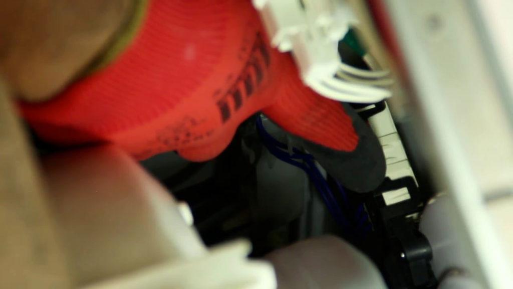localisez le verrou de porte du lave-linge hublot