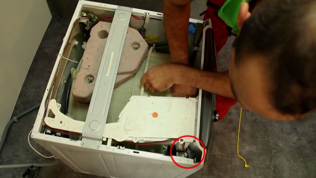 localisez le verrouillage de porte du lave-linge hublot