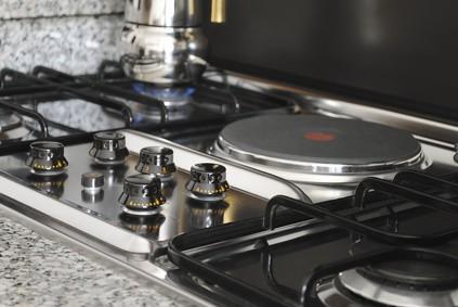 plaque de cuisson comment changer les plaques chauffantes. Black Bedroom Furniture Sets. Home Design Ideas
