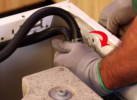 enlever-electrovanne-lave-linge
