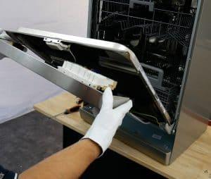 lave vaisselle comment r parer la fermeture de porte. Black Bedroom Furniture Sets. Home Design Ideas