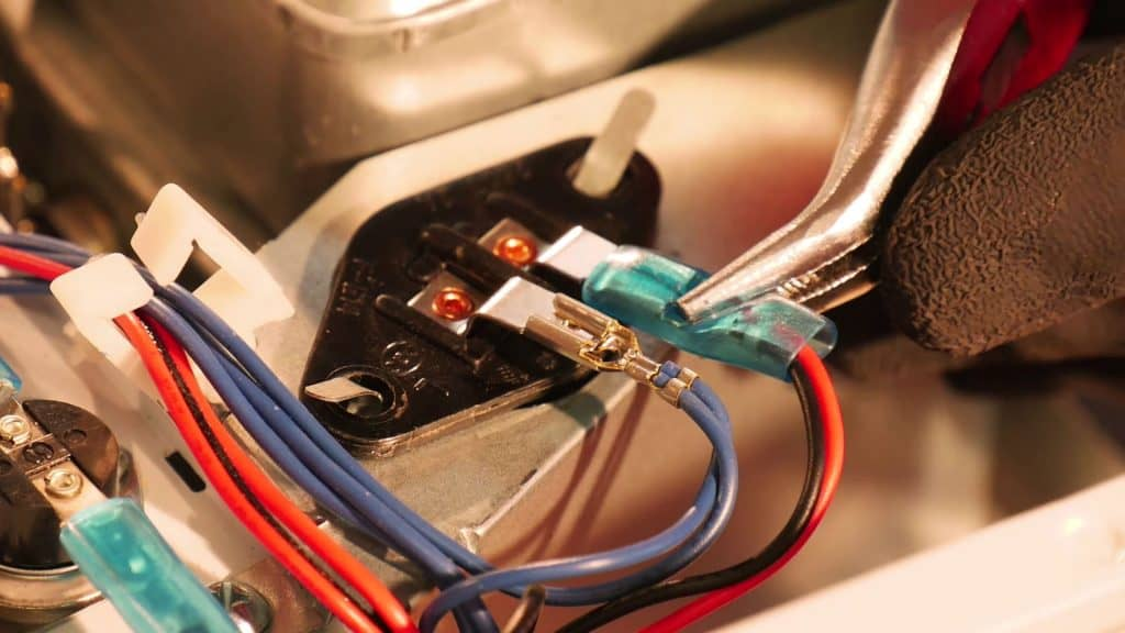 deconnecter-connecteurs-lampe-micro-ondes