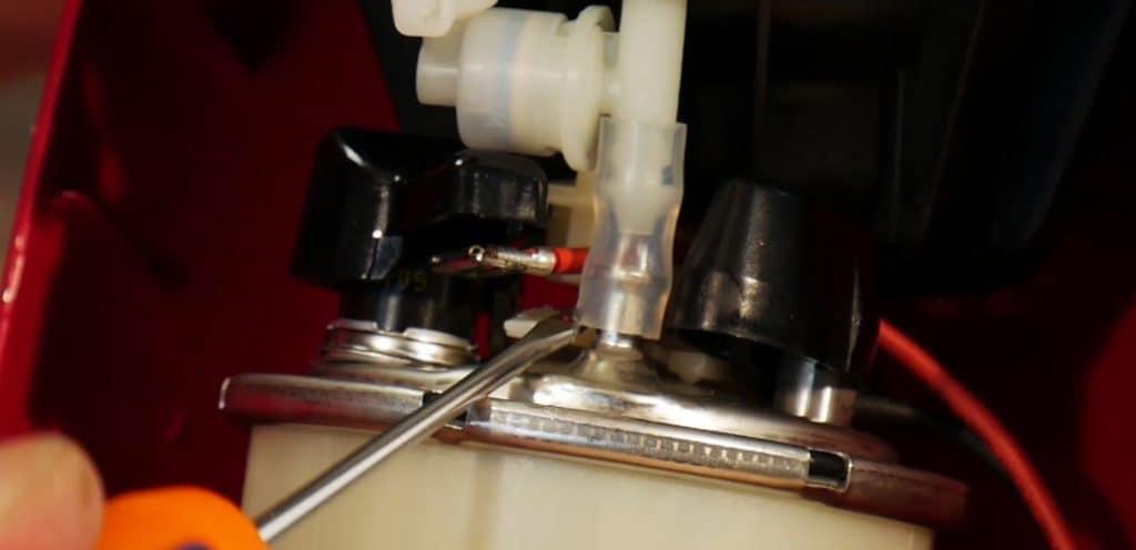enlever-tube-superieur-chaudiere