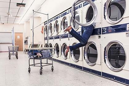 femme-laverie-amusant