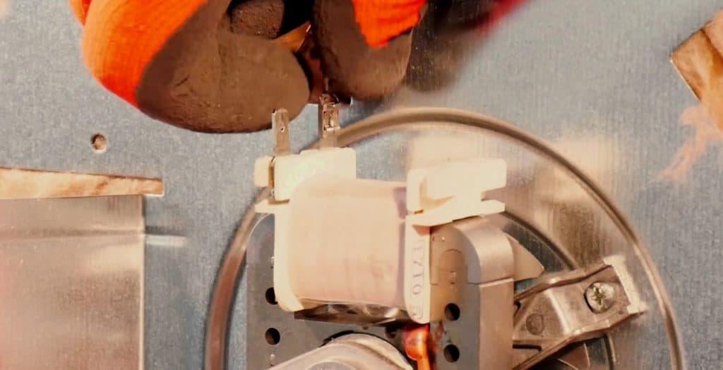 deconnecter-fils-moteur