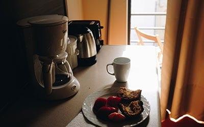 cafetiere-plan-de-travail-cuisine