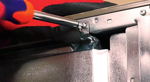 retirer-panneau-inferieur-lave-vaisselle-tournevis-torx