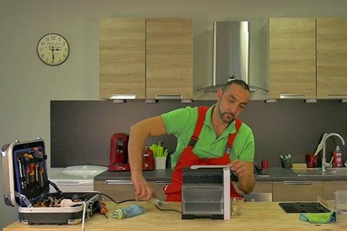 injecter-eau-circuit-pompe-cafetiere-nespresso-krups