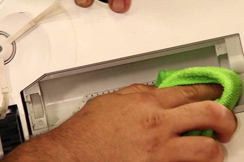 essuyer-compartiment-brosse-rotative