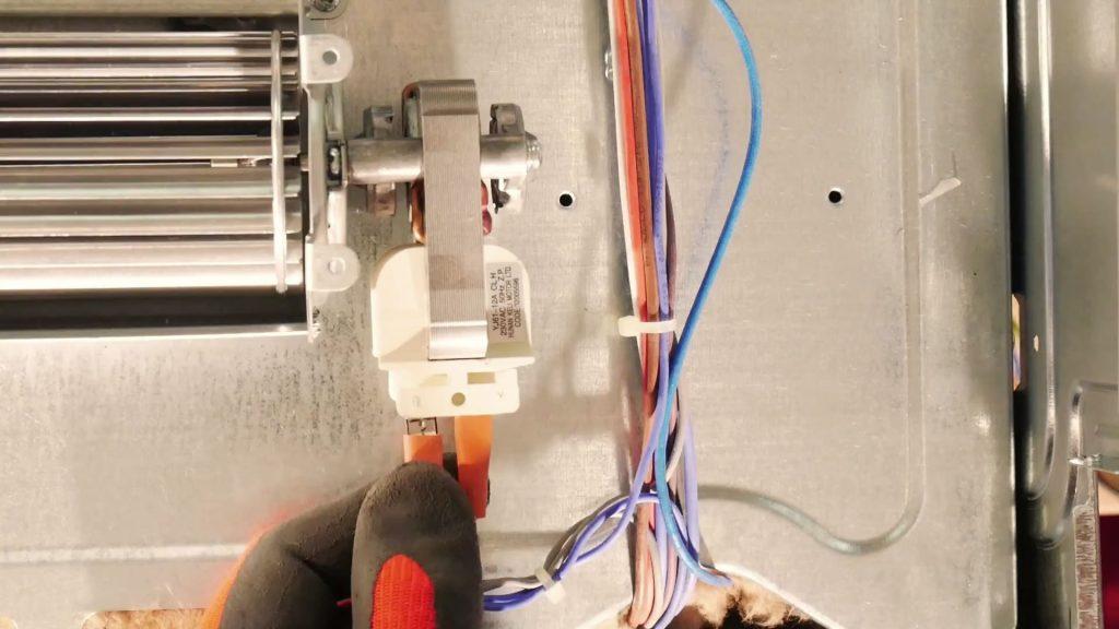 deconnectez-ventilateur-refroidissement-four