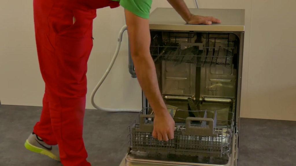 Pourquoi mon lave-vaisselle ne vidange plus ?