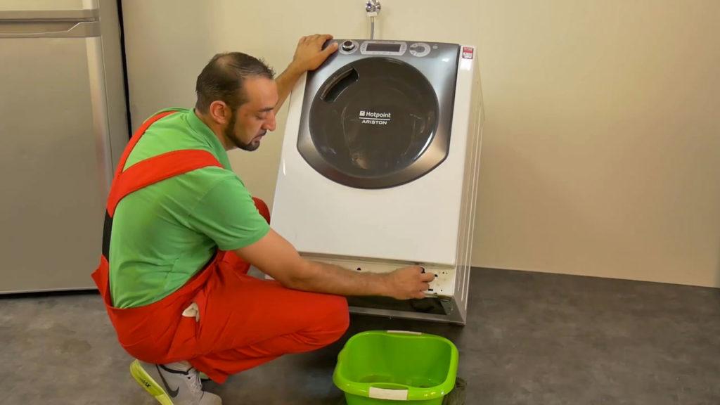 Pourquoi nettoyer son filtre de vidange de lave-linge