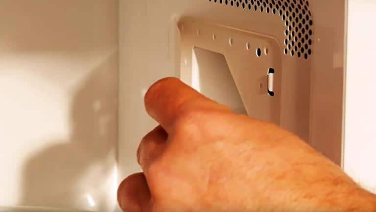 Remplacer la plaque Mica du micro-ondes