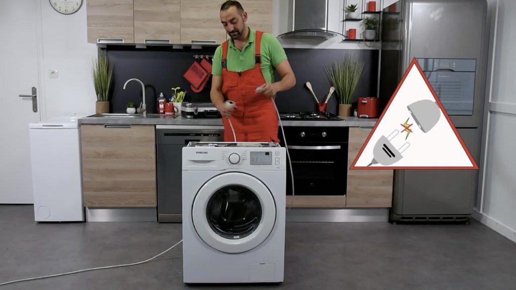 N'oubliez pas de débrancher votre lave-linge avant toute intervention