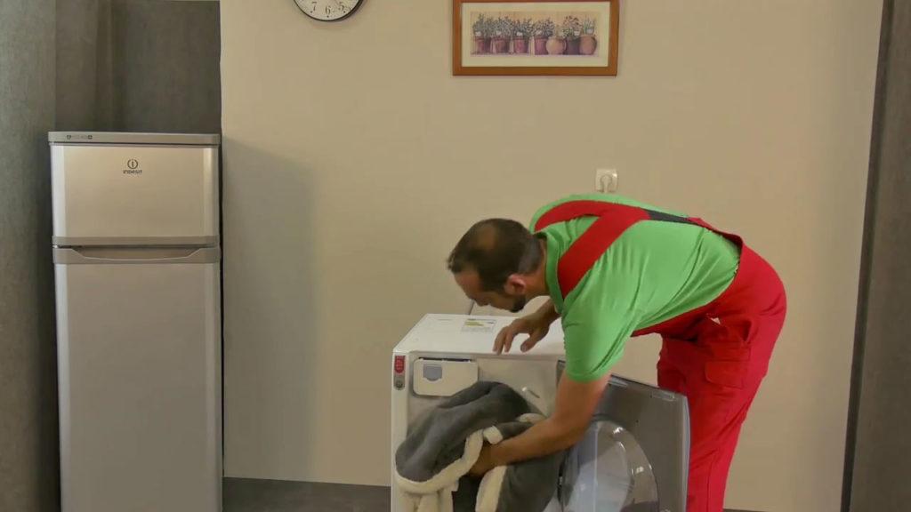 Charger le lave-linge