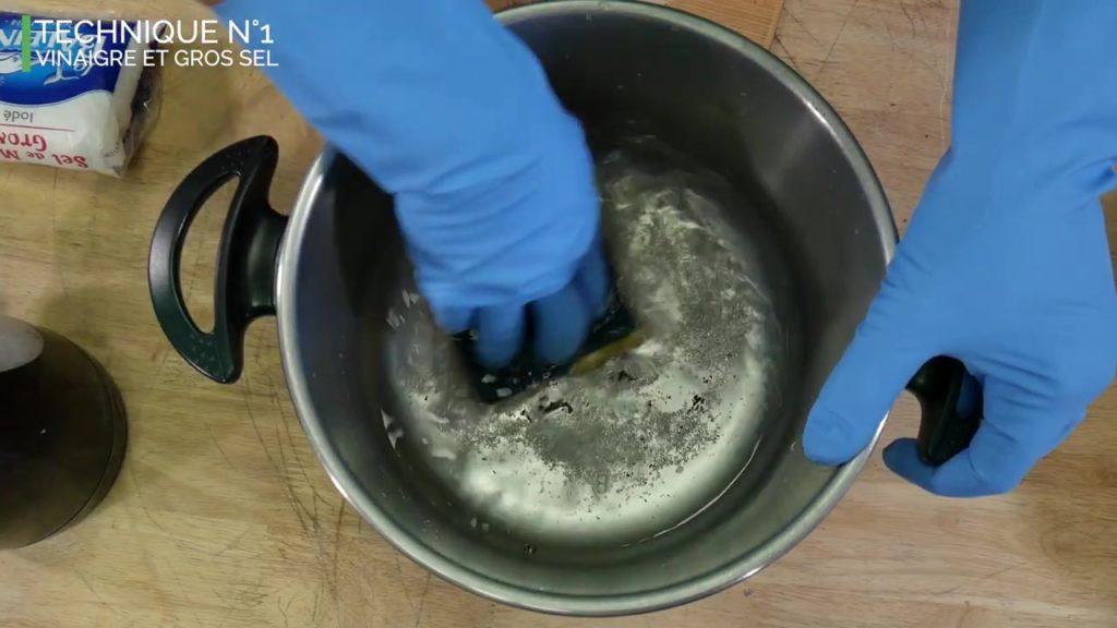 Éponge et gros sel