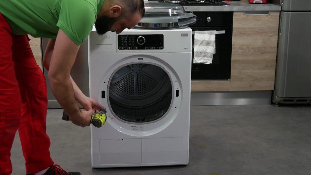 retirer les vis du sèche-linge