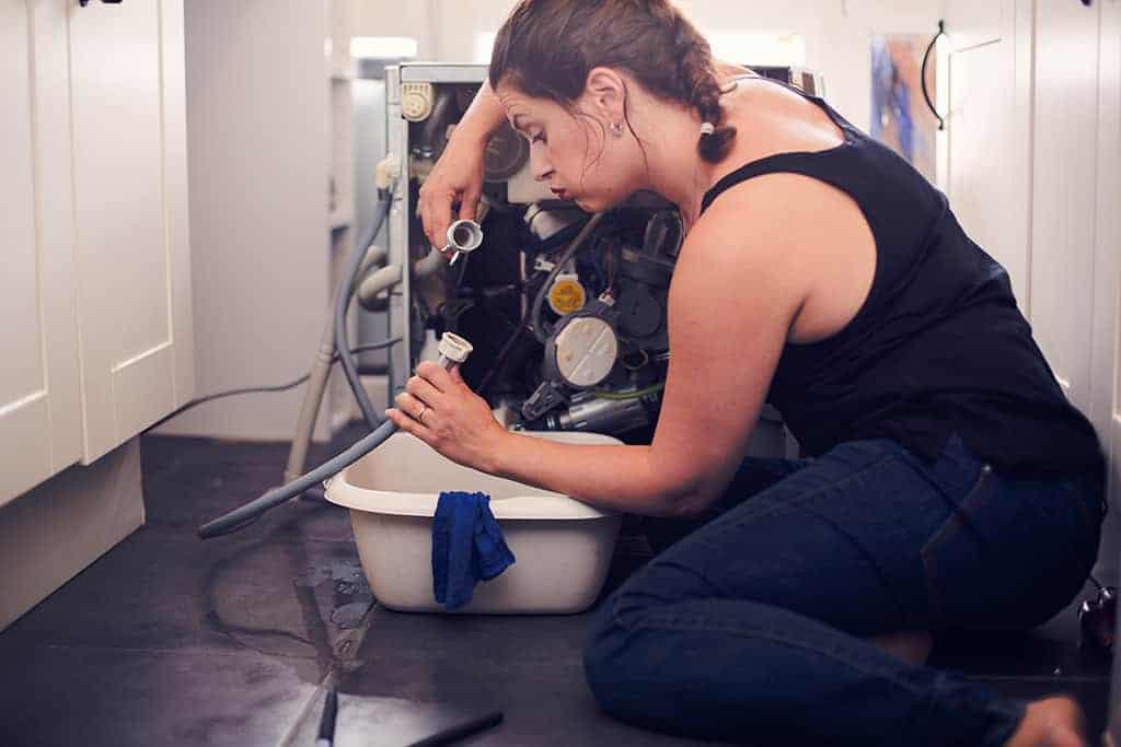 Problème d'odeur dans les tuyaux d'eau du lave-linge